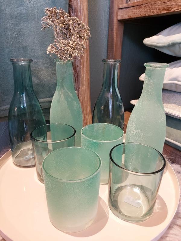 setje blauw 4 flesjes + 4 glaasjes