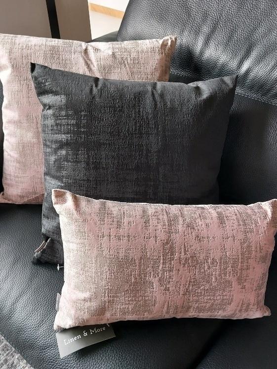 kussen 30x50 cm velvet soft pink